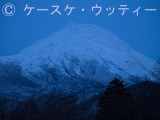 縮小 2016年11月14日  日没後の羅臼岳.jpg